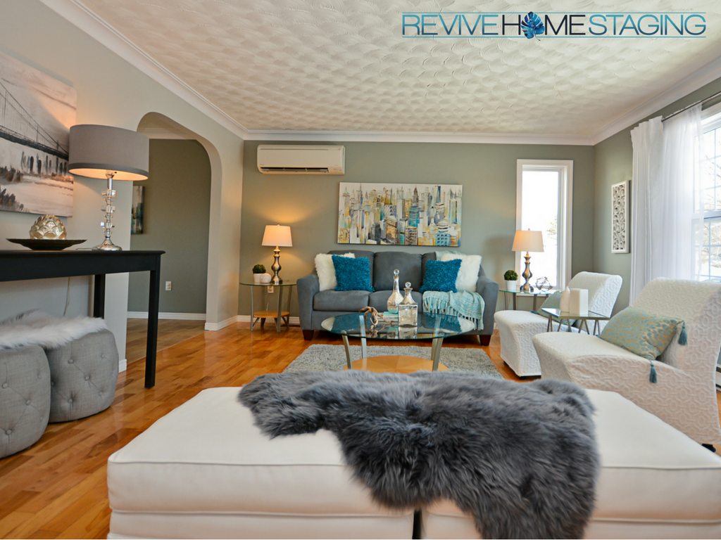Revive-Home-Staging-Pam-MacKinnon-186-Kaye-Street-Main-Living-Room-2